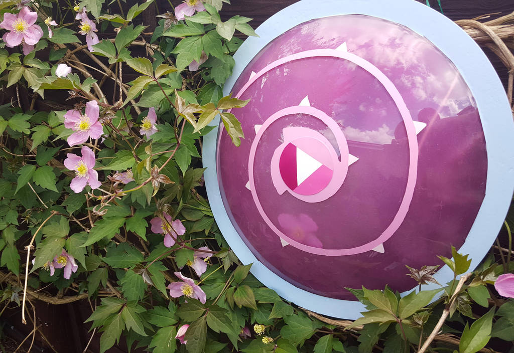 Rose Quartz shield  by Arualsti