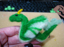 Little Felted Dragon by dragaodepapel