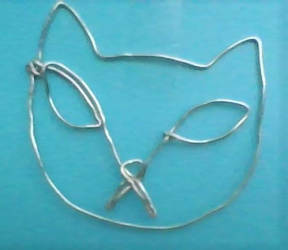 kit kat wire sculpture by Yaoimyfriends