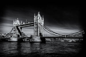The Towerbridge 5 by calimer00