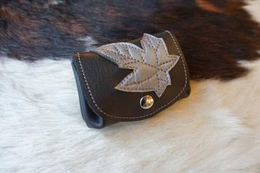 Ivy leaf coin purse by MARIEKECREATION