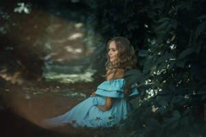 Lyra by RavenaJuly