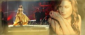 Hayley in gold by xXLionqueenXx