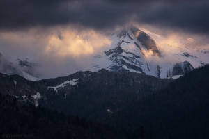 Mountain's whispers by LG77