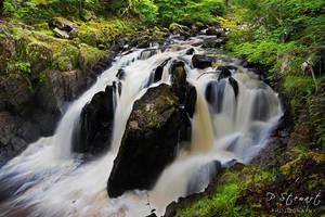 Black Linn Falls by FlippinPhil