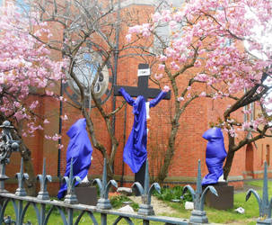 Covered statues by Keresaspa