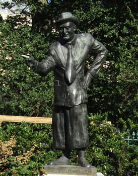 Max Miller statue by Keresaspa