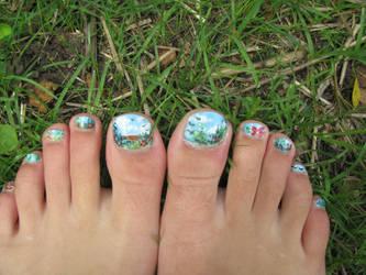 spring toes by indigocean