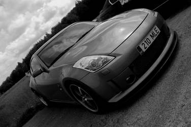 nissan 350Z BW by ShadowPhotography