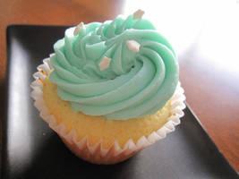 Vanilla Bean Cupcakes by maytel