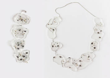 Flies necklace by Ajsena