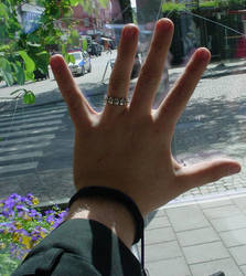 hand nr1 by Alexiz