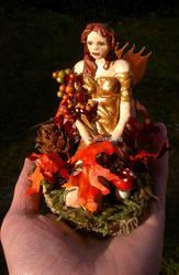 OOAK autumn fairy figure : Sienna by Lorellyne