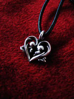 Heart pendant by flintlockprivateer