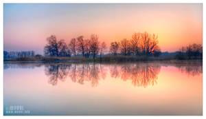lazy sunrise by werol