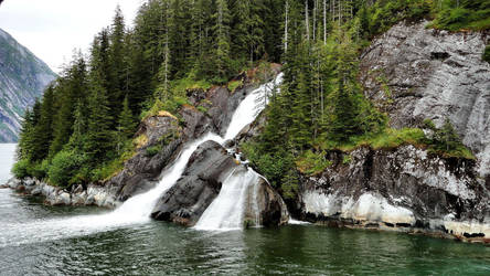 Icy Falls by crudinski