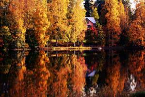 Autumn lake by Andezigi