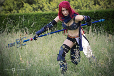 Prepare to be defeated by me - Erza Knightwalker by YuyuCosplay