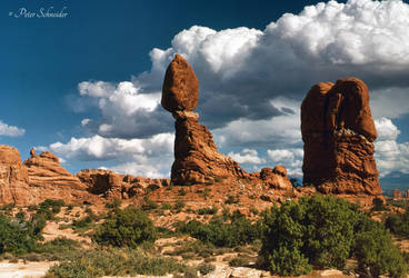Balanced rock. by Phototubby