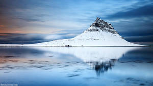 Kirkjufell Reflection by erezmarom