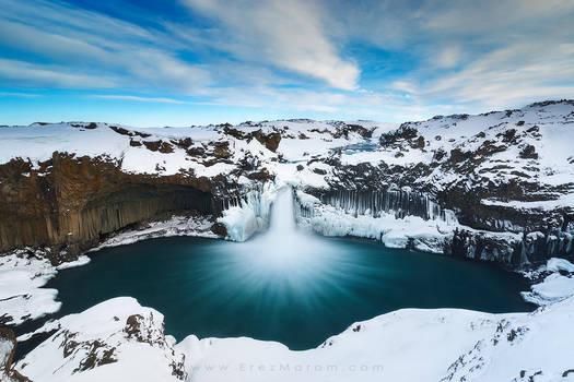 The Snowy Cloak of Aldeyjarfoss by erezmarom