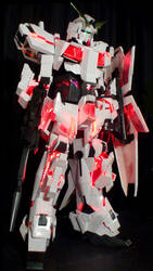 Gundam Unicorn Cosplay by Clivelee