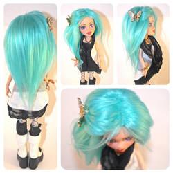 Bratz Doll OOAK with a yarn wig by tertunni