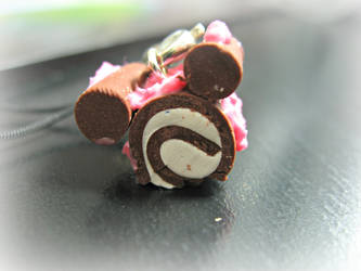 Bear/Mickey Mouse cake roll by cupcakecutiefriends