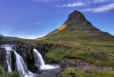 Kirkjufellsfoss by Daemare