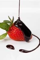strawberry chocolate by tpaulanny