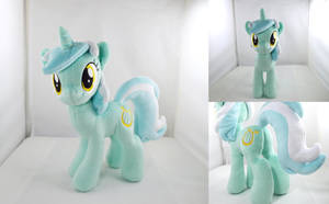 Articulated Lyra Plush by PlanetPlush