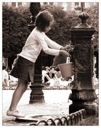 tip toe at the fountain by shoogle