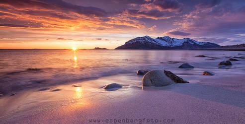 Where the sun sleeps by berg77
