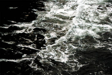 Stormy Seas by Zelandeth