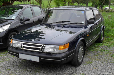 1989 Saab 900i by Zelandeth