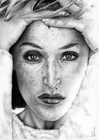 Freckled Gillian Anderson by Fynya