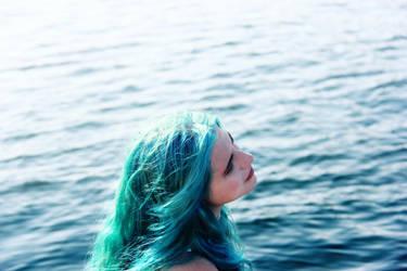 Girl Blue 4 by minginc