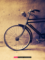 Old Bicycle by mohammadamiri