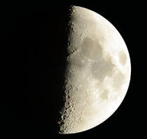 Moon by Techdrakonic