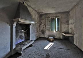 Abandoned farm - Fireplace and washbasin by ExaVolt