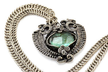 Chainmaille Silver Necklace with Labradorite Stone by hyppiechic