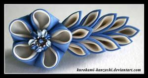 Eggshell Blossom by Kurokami-Kanzashi