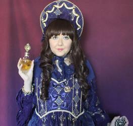 Royals by CupcakeMassacreBear