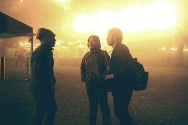 Three Strangers by gladioladp