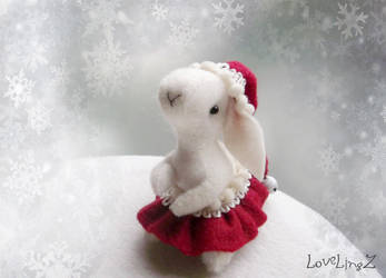 Santa bunny by LoveLingz