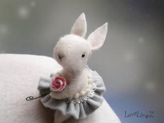 Rose bunny by LoveLingz