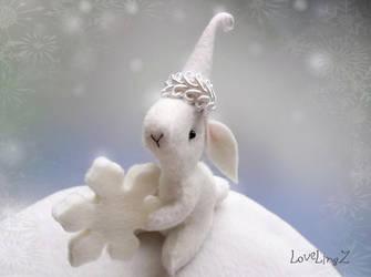 Snowflake by LoveLingz