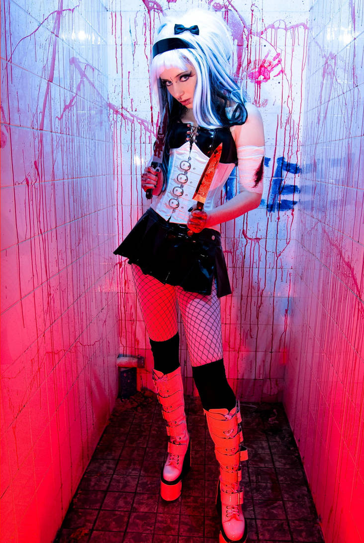 Miss Scream Queen II by SaphirNoir