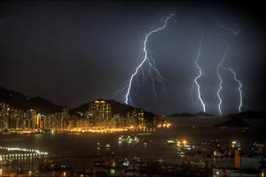 Lightning Strike by 3vilCrayon