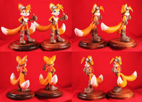 Tails and Copy Tails by aachi-chan